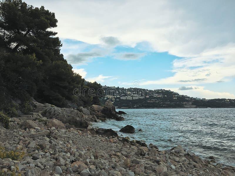 Verborgen strand op de zeekust van Roquebrune GLB Martin royalty-vrije stock foto
