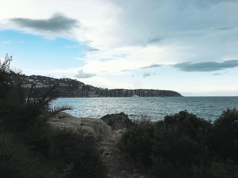 Verborgen strand op de zeekust van Roquebrune GLB Martin stock fotografie