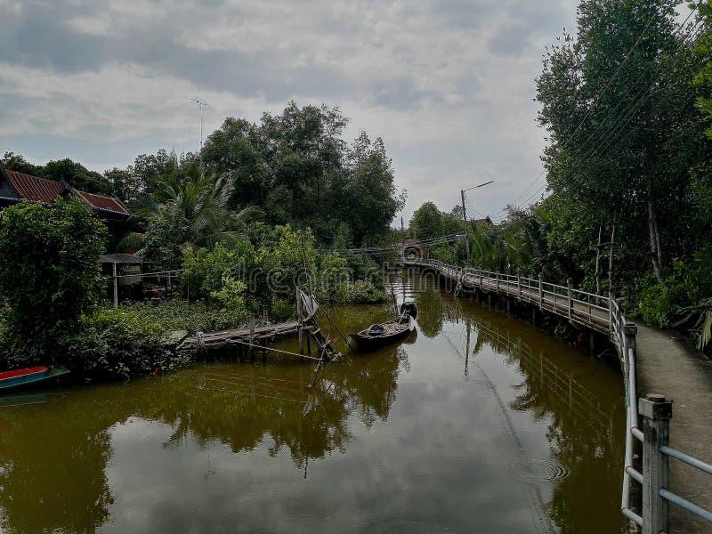 Verbot-NOK Klong Yi Sarn Kao fast Krua lizenzfreie stockfotografie