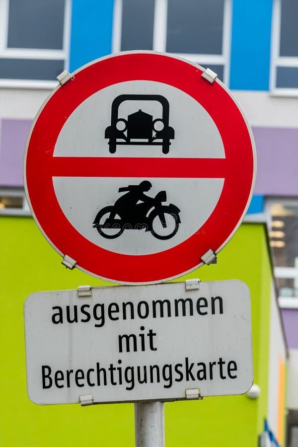 Verbotszeichen für Auto und Motorrad lizenzfreies stockbild