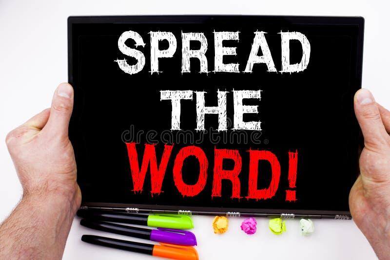 Verbreiten Sie den Worttext, der auf Tablette, Computer im Büro mit Markierung, Stift, Briefpapier geschrieben wird Geschäftskonz stockfoto
