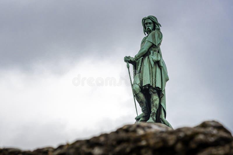Vercingetorix, la statue d'un guerrier célèbre de la Gaule en Alesia qui a défié l'empereur romain Julius Caesar image libre de droits