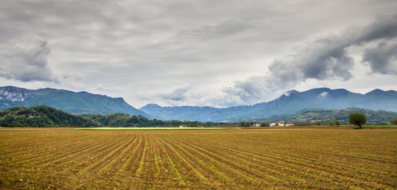 Vercors de regionala naturliga parkerar, ett skyddat område av forested berg i den RhÃÂ'ne-Alpes regionen av sydöstliga Frankrik royaltyfria foton
