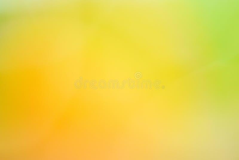verde amarelo abstrato do fundo da textura do borrão da natureza imagens de stock