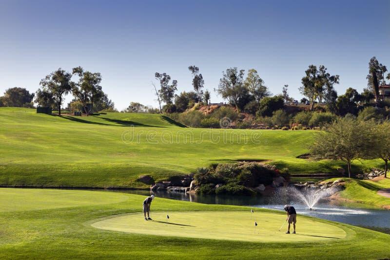 Verde de la práctica del golf fotografía de archivo libre de regalías