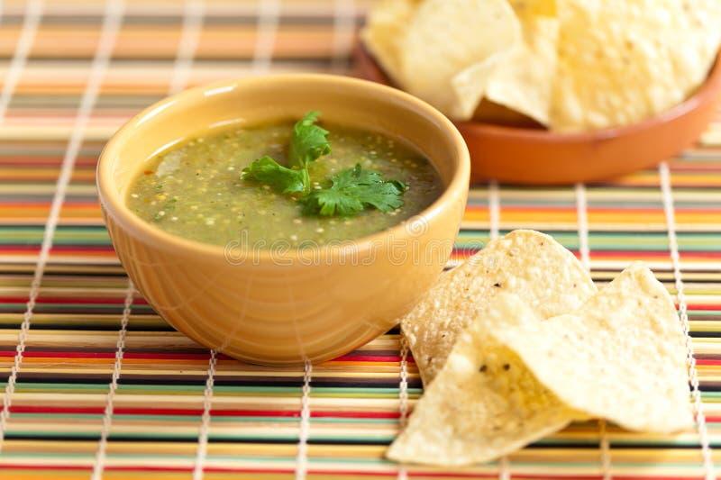 Verde della salsa di Tomatillo, cucina messicana immagini stock