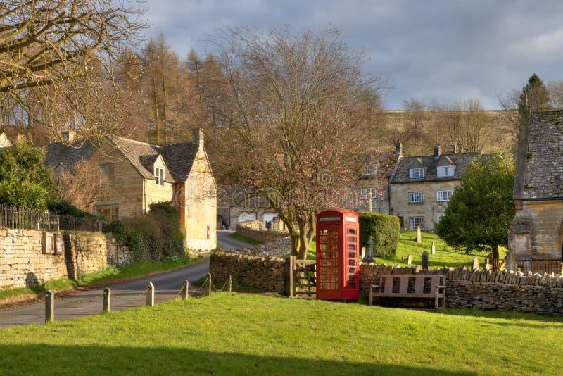 Verde di villaggio di Snowshill immagine stock libera da diritti