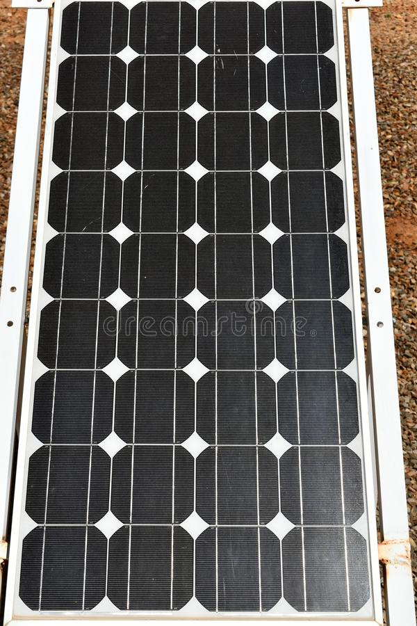 Verde policristallino del pannello solare immagini stock