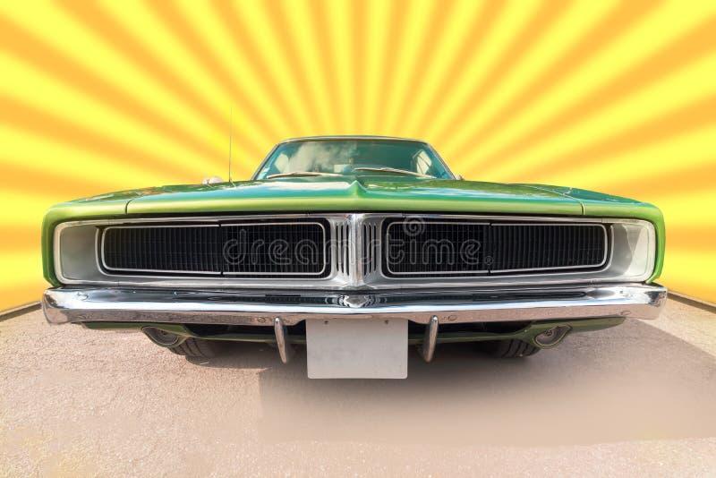 Verde y sesenta coches viejo cromado de la marca fotos de archivo libres de regalías