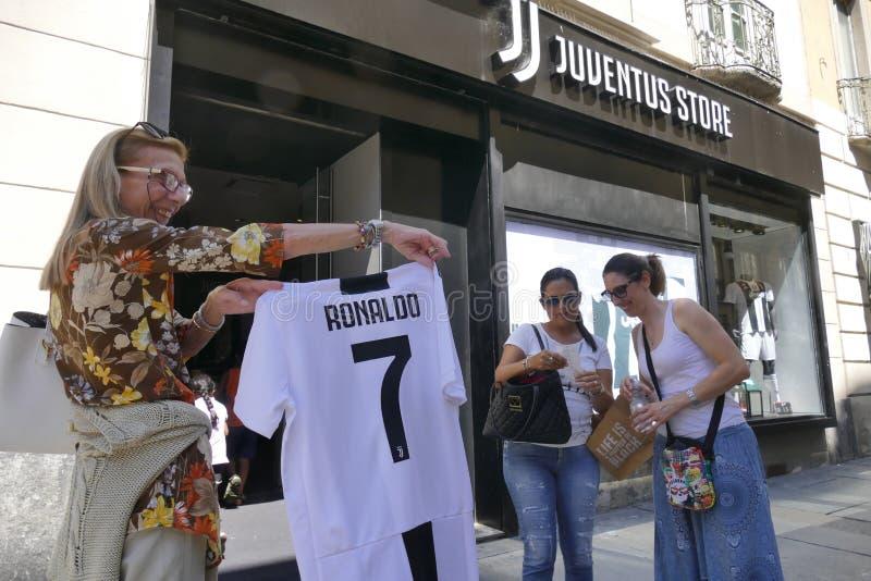 Verdedigers die van Juventus FC gek voor de nieuwe speler van Cristiano Ronaldo voor volgende seizoen gaan royalty-vrije stock fotografie
