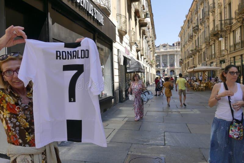 Verdedigers die van Juventus FC gek voor de nieuwe speler van Cristiano Ronaldo voor volgende seizoen gaan royalty-vrije stock afbeeldingen