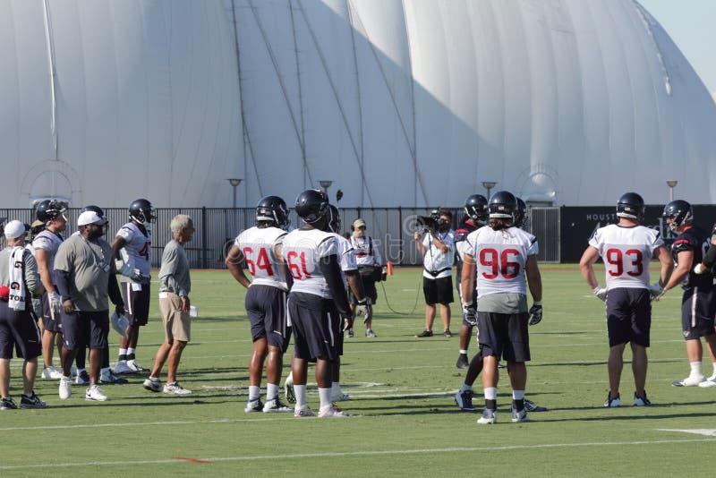 Verdedigingsspelers in Houston Texans Training Camp stock foto