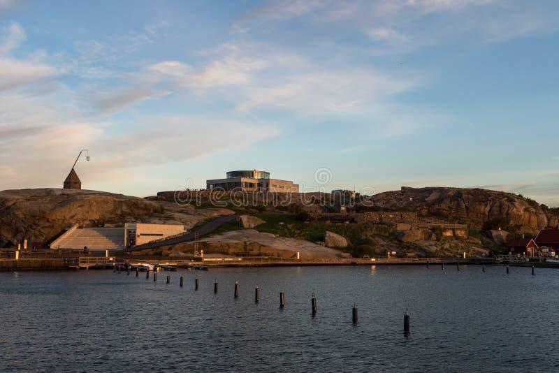 Verdens Ende com centro do parque nacional de Faerder e o farol velho, Vestfold Noruega fotos de stock royalty free