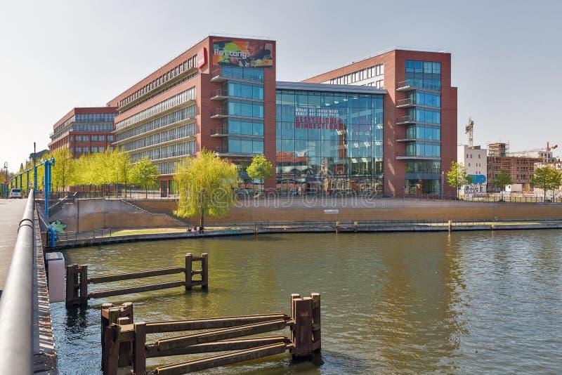 Verdi byggnad, enig service som är facklig i Berlin, Tyskland royaltyfri fotografi