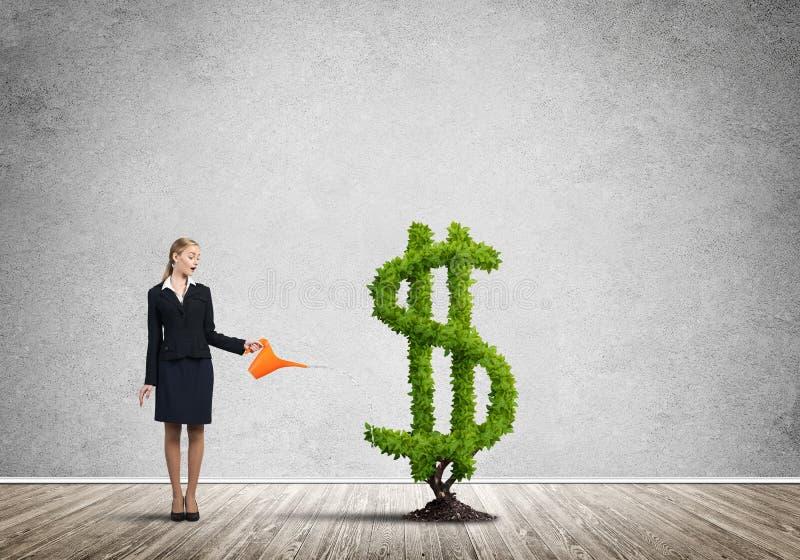 Download Verdienen Sie Ihr Geld Zu Wachsen Stockfoto - Bild von geld, wachsen: 96926532