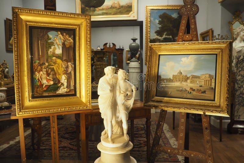 Verdini Antiques Dealer em Roma, Itália fotos de stock royalty free