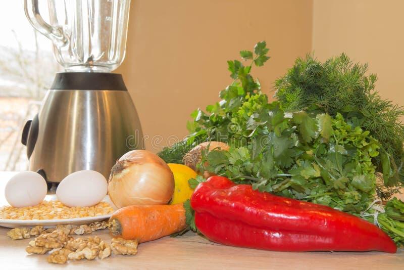 Verdura fresca del mercato locale, prodotti del giardino, concetto pulito di cibo immagini stock