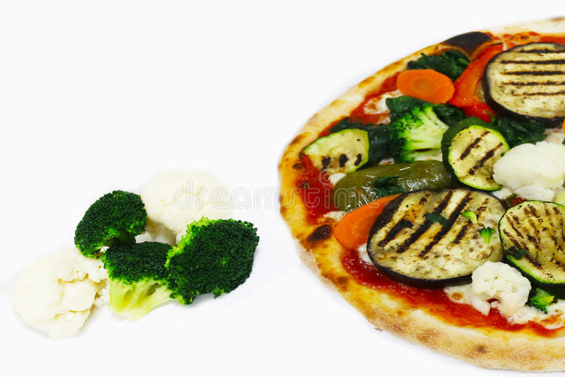 Verduras aisladas, comida de la pizza del italiano del restaurante imagen de archivo libre de regalías