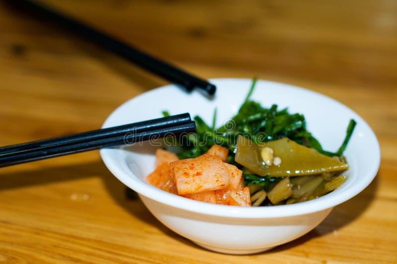 Verduras conservadas en vinagre chinas imagenes de archivo