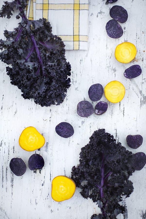Verduras del contraste foto de archivo libre de regalías