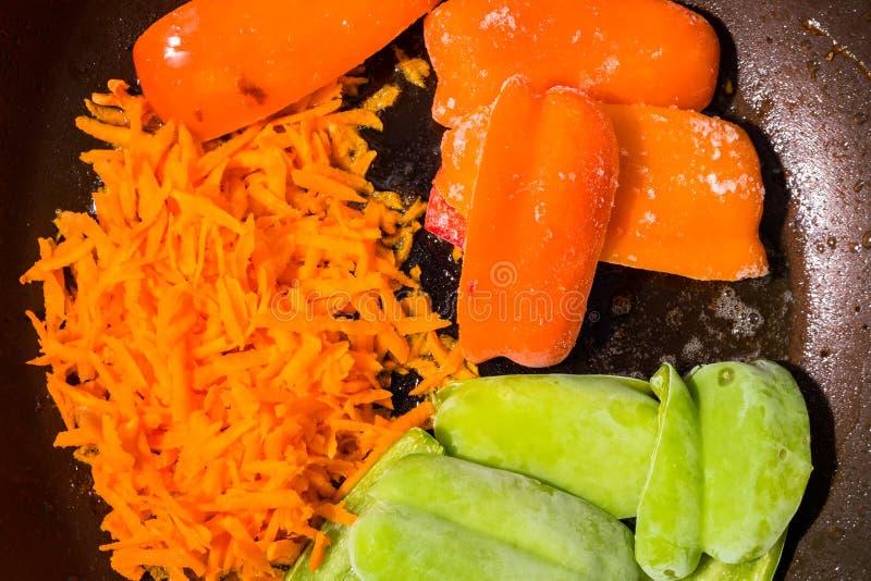 Verduras del verano con el condimento agrietado de la pimienta imagen de archivo libre de regalías