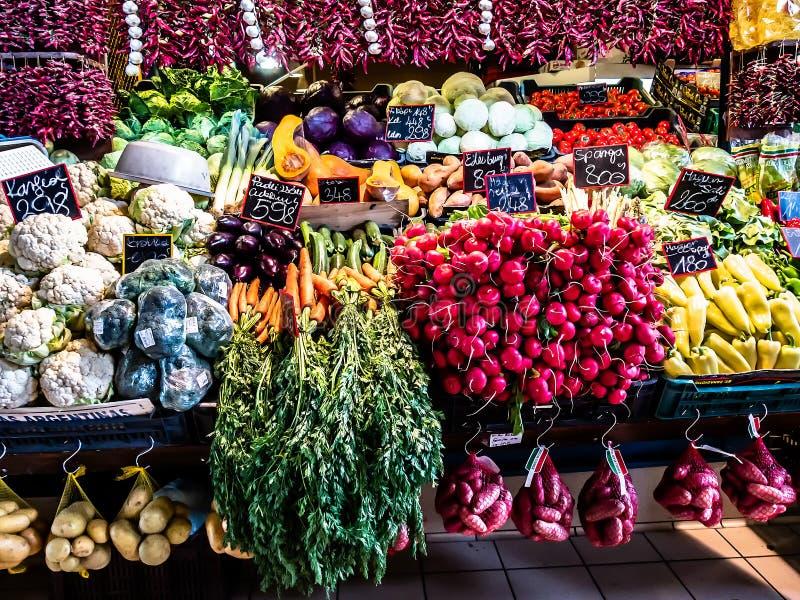 Verduras en un marcado imágenes de archivo libres de regalías
