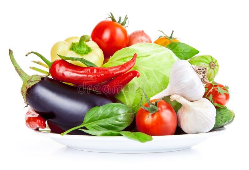 Verduras frescas con las hojas imagenes de archivo