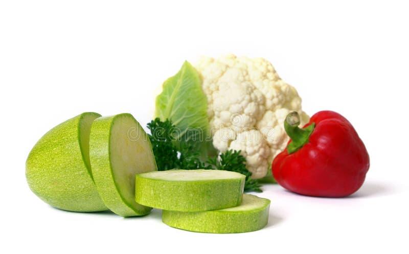 Download Verduras frescas en blanco imagen de archivo. Imagen de tomate - 7289531