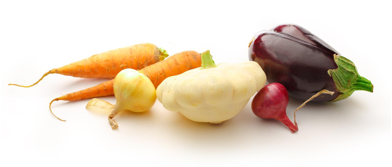 Verduras frescas en el fondo blanco fotos de archivo