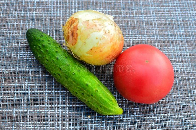 Verduras frescas para la ensalada fotos de archivo