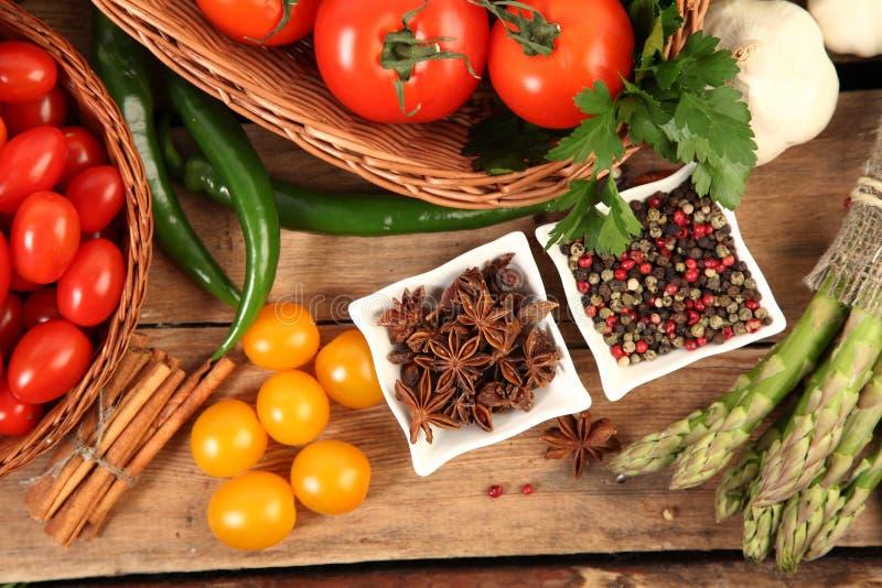 Verduras y condimento fotografía de archivo libre de regalías