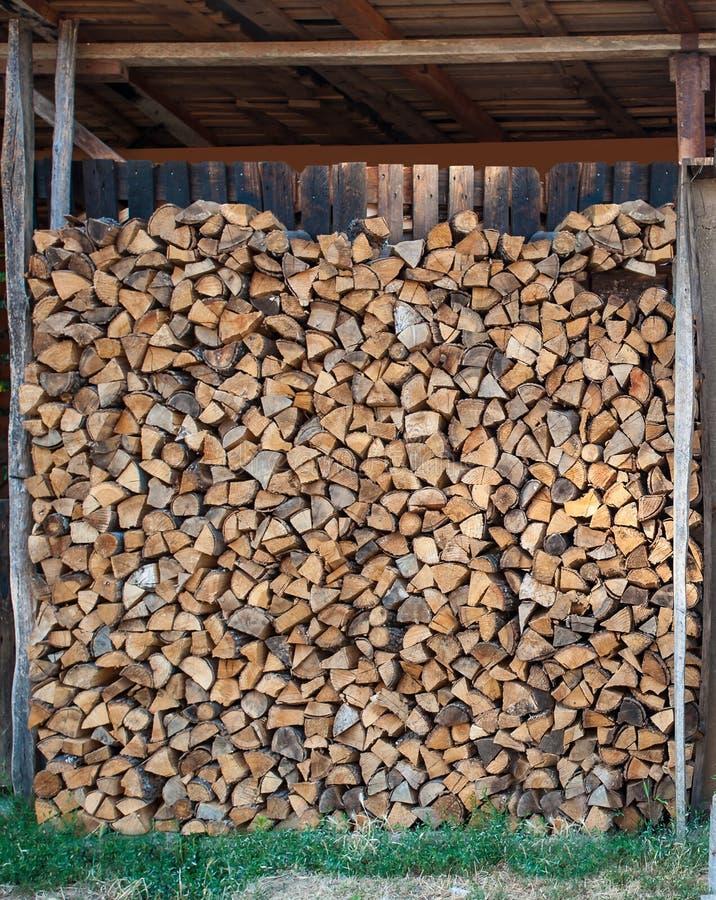 Vereinbarter Stapel des Holzes lizenzfreie stockfotos