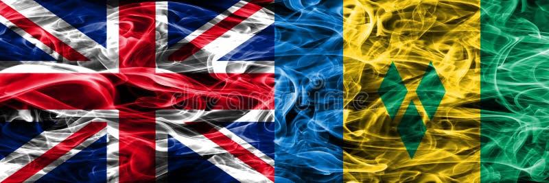 Vereinigtes Königreich gegen die St. Vincent und die Grenadinen Rauchflaggen nebeneinander gesetzt Dicke farbige seidige Rauchfla stock abbildung