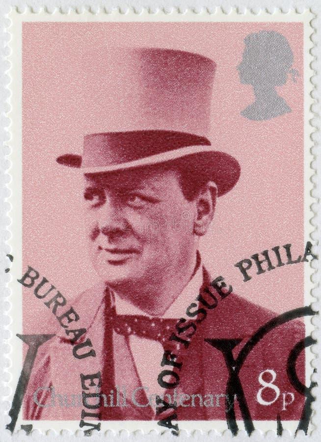 VEREINIGTES KÖNIGREICH - 1974: Shows Sir Winston Spencer Churchill 1874-1965, mit Zylinder, als Minister für Krieg und Luft, 1919 stockfoto