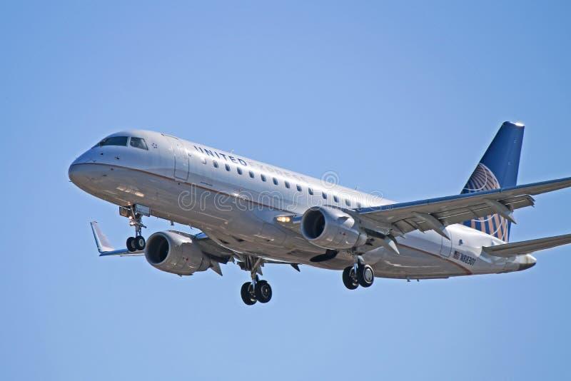 Verenigd Uitdrukkelijk Embraer erj-175LR N88301 royalty-vrije stock afbeeldingen