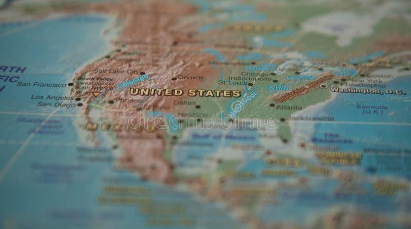 Verenigde Staten op de kaart De Verenigde Staten op de kaart van de wereld stock foto's
