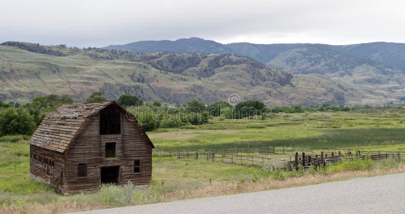 Verfallene verlassene Scheune, Osooyoos, Britisch-Columbia, Kanada stockbild