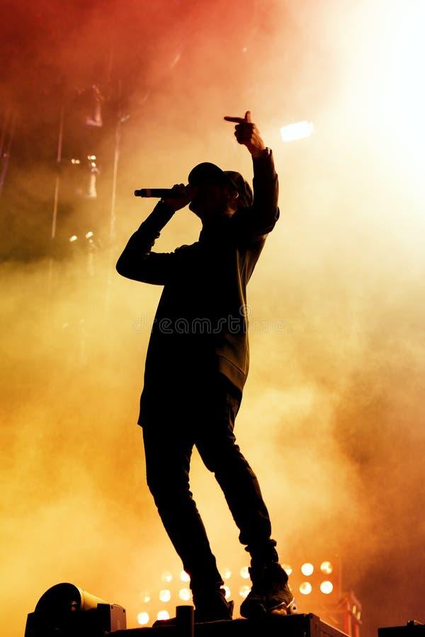 Verfolgung u. Status (britische Produktionsduoband der elektronischen Musik) führt an FLUNKEREI Festival durch stockfoto