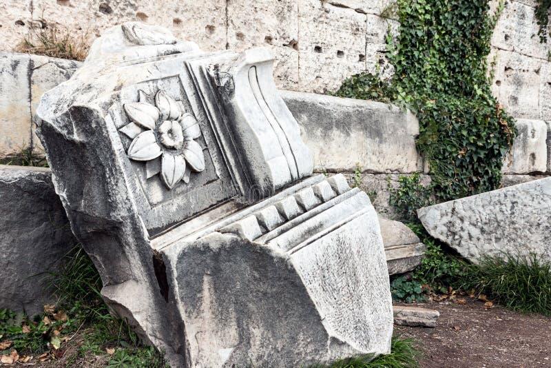 Verfraaid architecturaal steendetail van Roman Forum royalty-vrije stock foto's