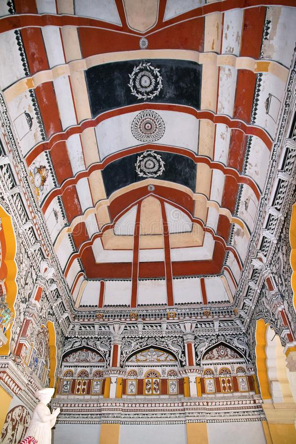 Verfraaid plafond, Durbar-Zaal, het Paleis van Thanjavur Maratha, Tanjore, Tamil Nadu royalty-vrije stock foto