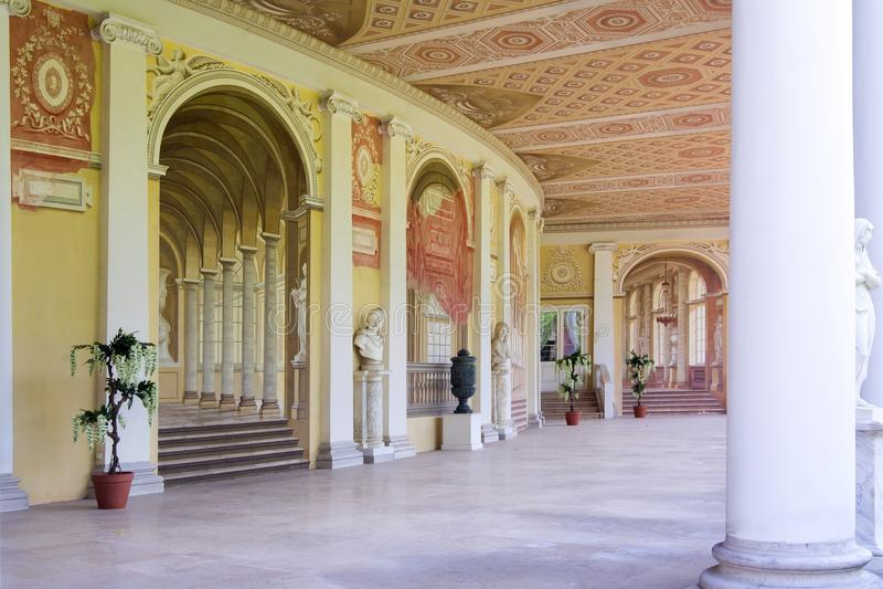 Verfraaide galerij van Pavlovsk paleis, St. Petersburg, Rusland stock afbeelding