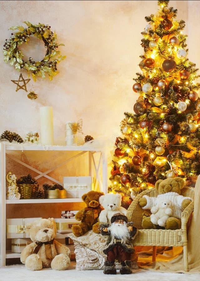 Verfraaide Kerstmis binnenlandse hoek royalty-vrije stock afbeeldingen
