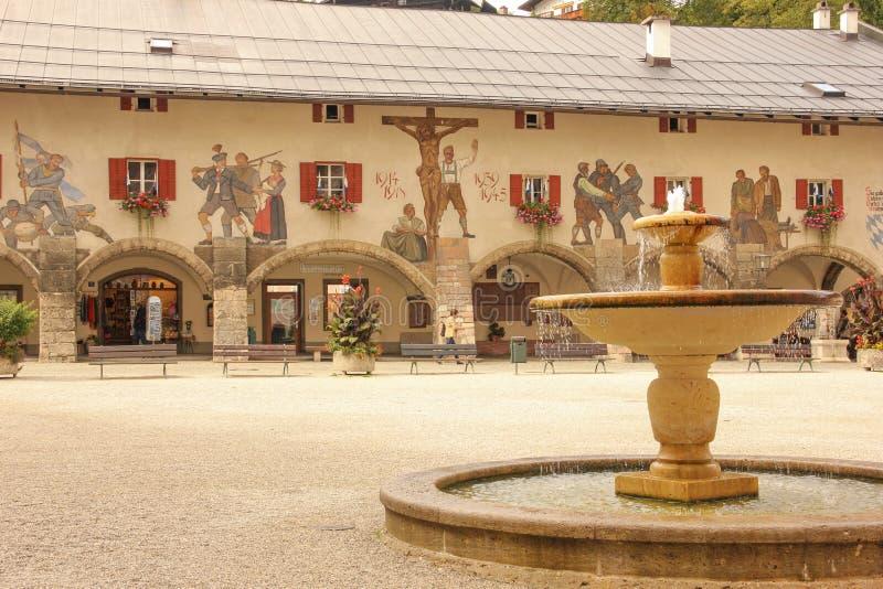Verfraaide voorgevel Berchtesgaden duitsland stock afbeeldingen