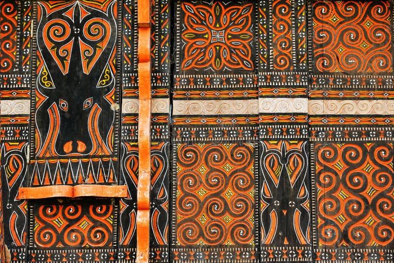 Verfraaide voorgevel van het traditionele huis in Tana Toraja stock afbeeldingen