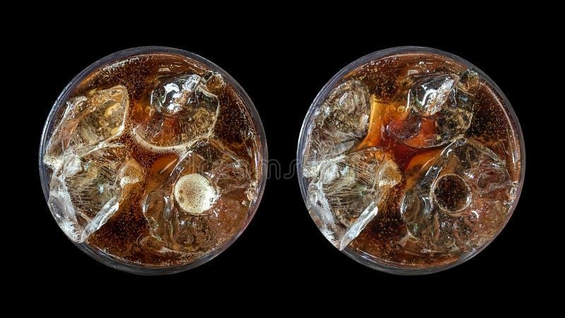 Verfrissende bruisende frisdrank, reeks van twee hoogste menings koude kola glasse royalty-vrije stock foto's