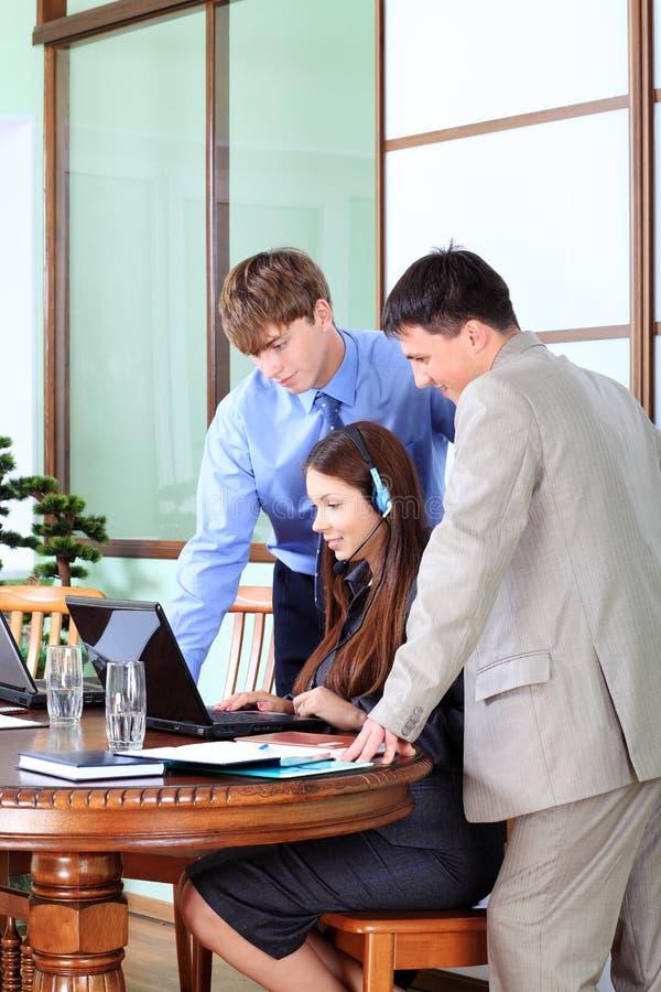 Vergadering in het bureau royalty-vrije stock afbeelding