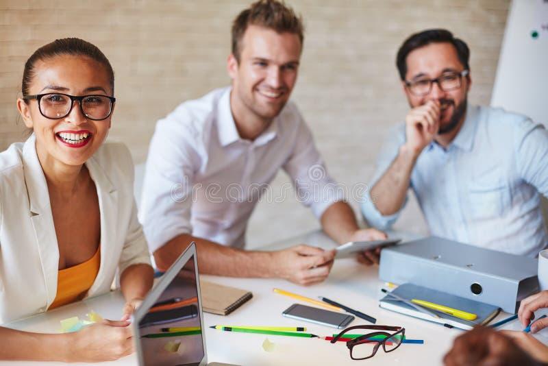 Vergadering van ontwerpers stock fotografie