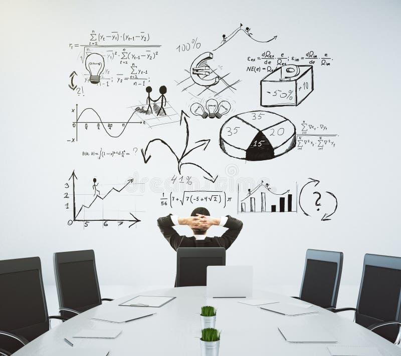 Vergaderzaal met lijst en stoelen en een bedrijfsdiagram op stock afbeeldingen