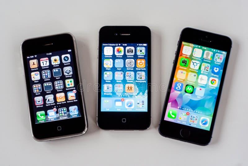 Vergelijking van iPhone 3g-4-5S royalty-vrije stock afbeelding