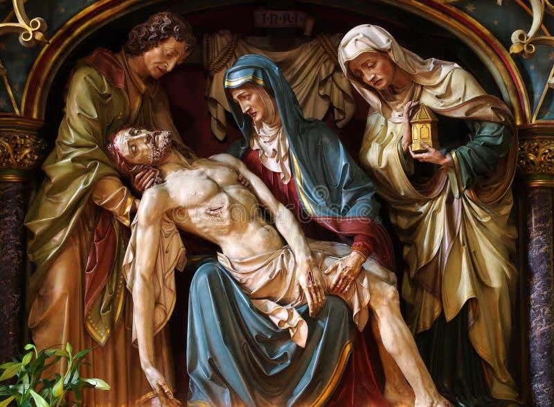 Vergine Maria che culla il cadavere di Gesù immagini stock libere da diritti